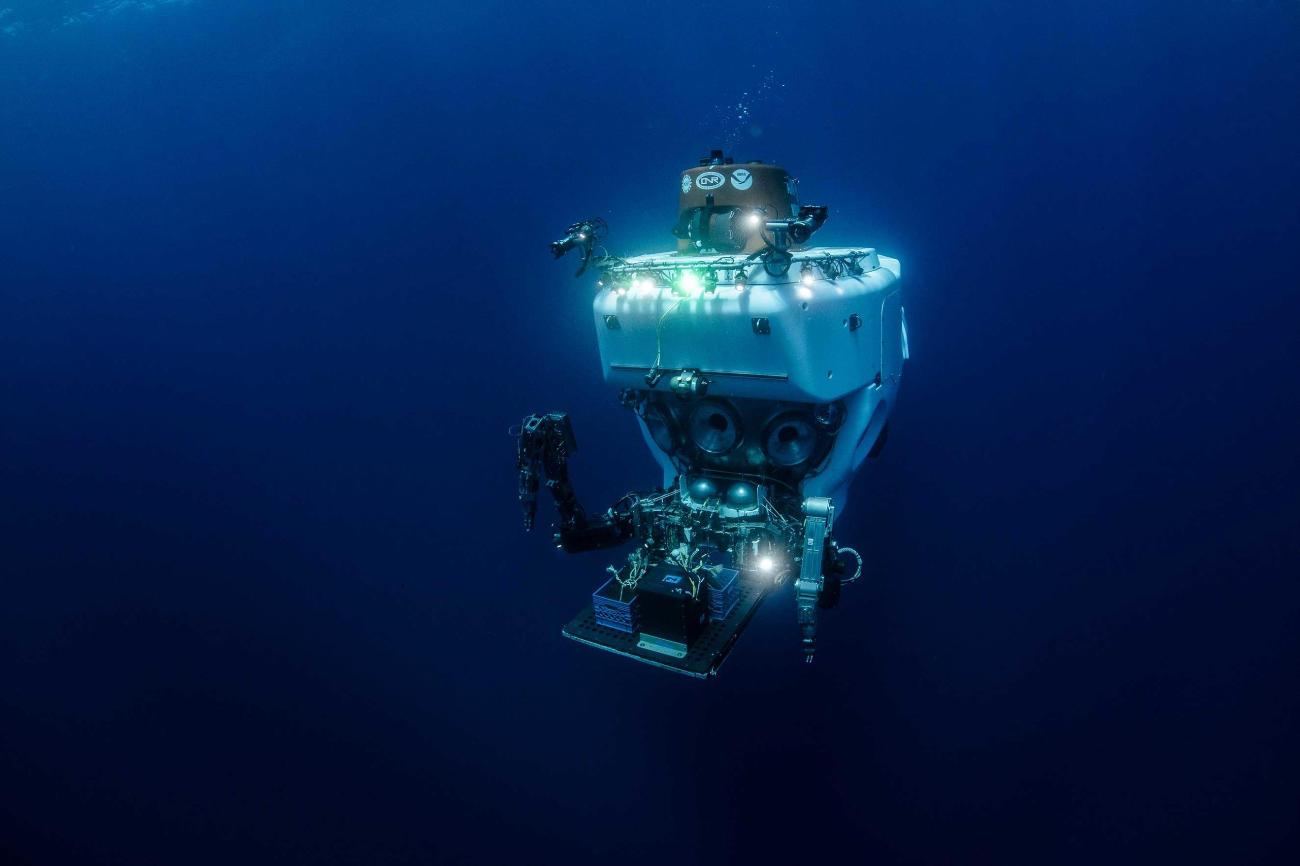 Lessons on Small Space Living from a Submarine Pilot